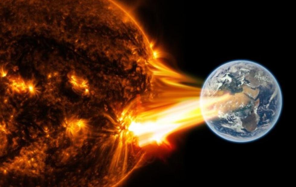 Una tormenta solar afecta la Tierra: ¿puede alterar las redes eléctrica y de internet?