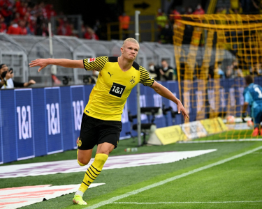 Haaland imparable: dos goles más para la victoria de Borussia Dortmund