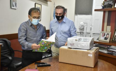 Entregaron equipamiento médico para sala que será inaugurada en Juan Pujol