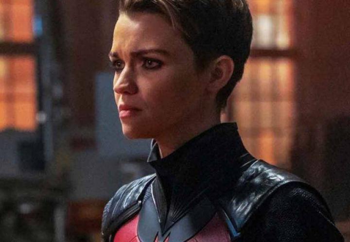 "Protagonista de ""Batwoman"" reveló que abandonó la serie por padecer violencia laboral"