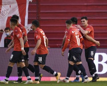 Independiente le ganó a Huracán y quedó a cuatro puntos del líder
